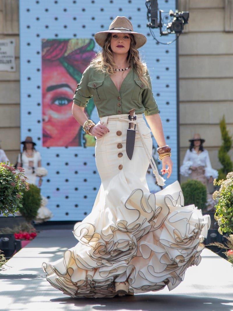 falda de flamenca beig estilo safari