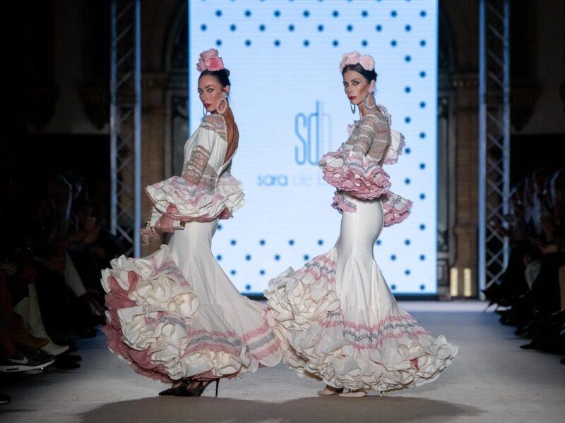 flamenca beig con encajes rosa y gris