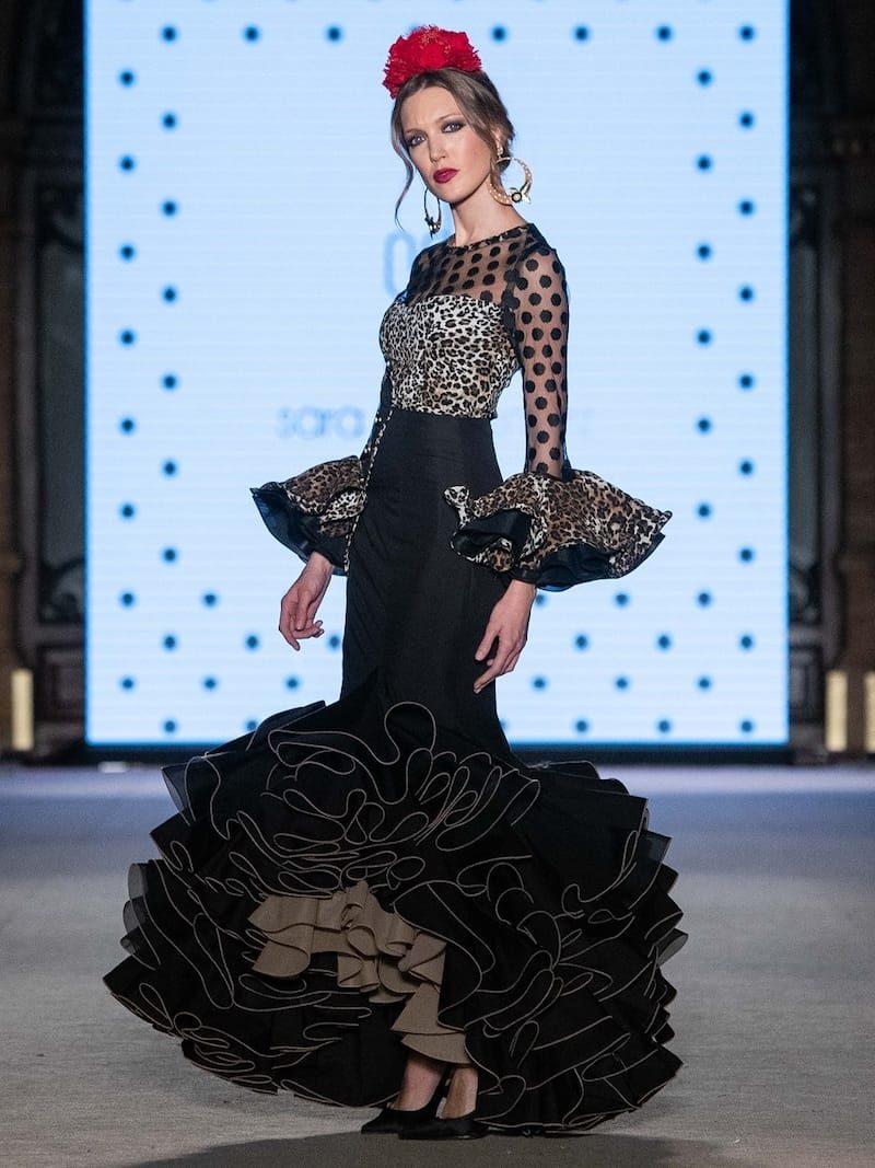 Falda flamenca negra con blusa de leopardo