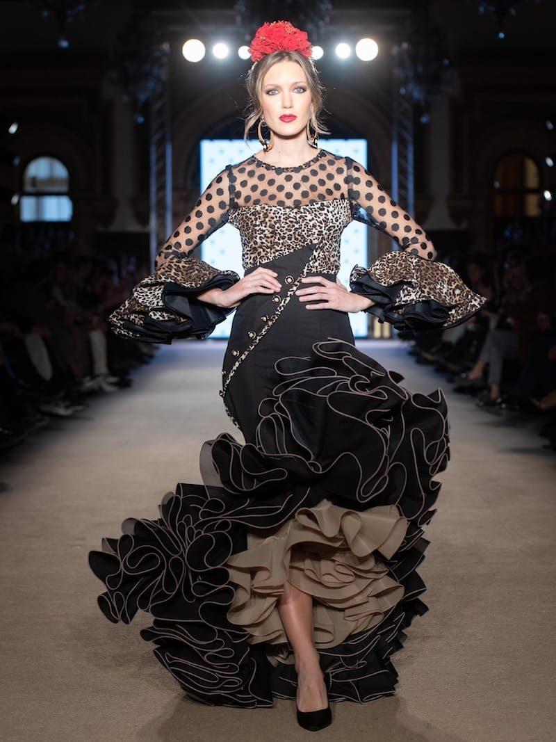 Falda flamenca negra con blusa de leopardo (outlet)