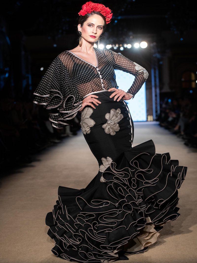 flamenca falda negra recortes