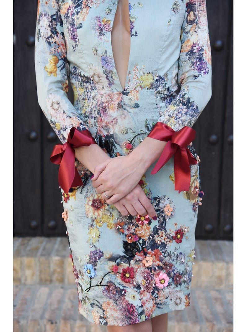vestido con detalles bordados