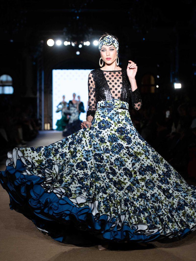 vestido de flamenca de lunares negros