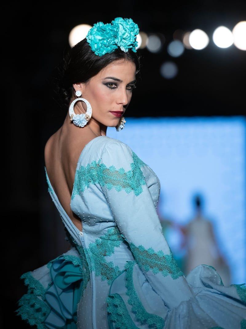 vestido flamenca celeste con encaje verde agua