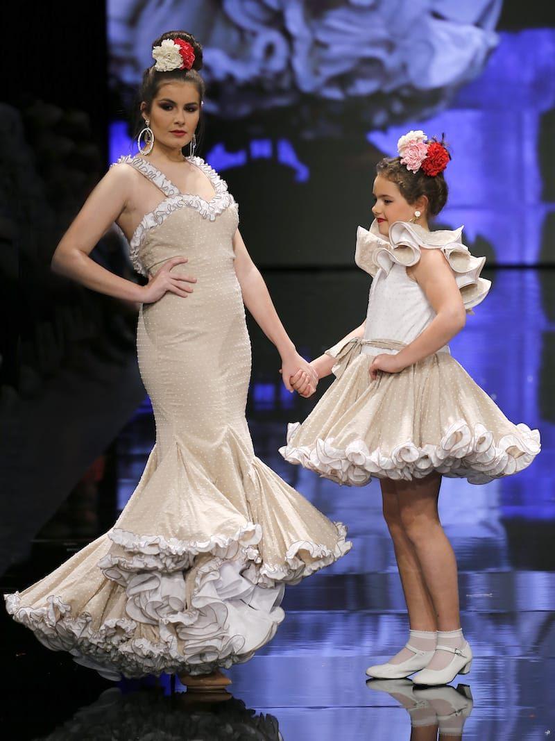 Traje de flamenca para niña de plumeti