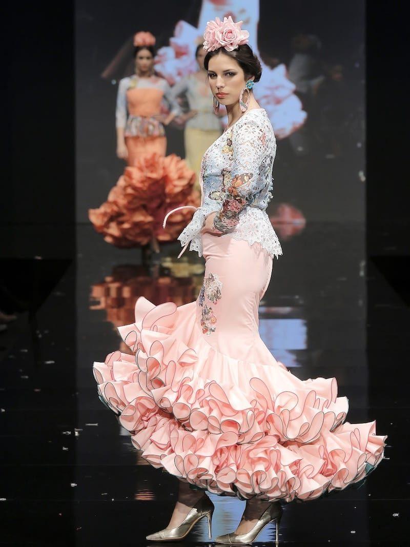 Traje de flamenca con chaqueta tejido mariposas