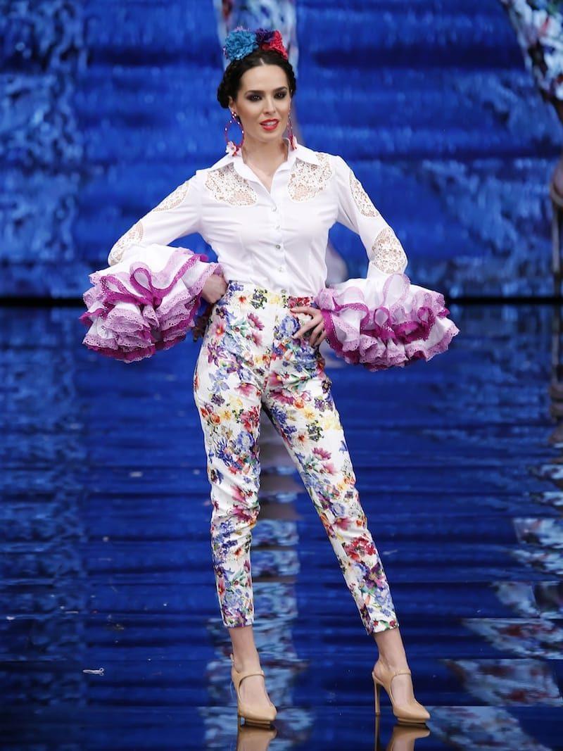 Conjunto de blusa flamenca y pantalón piqué flores