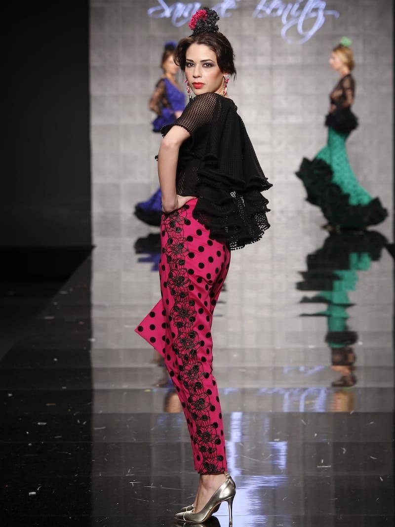 Conjunto de blusa y pantalón con lunares de terciopelo