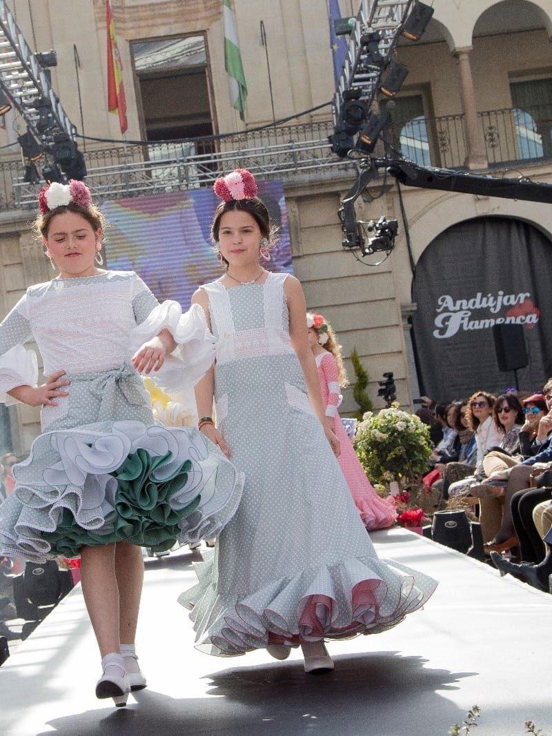 Traje de flamenca largo para niña