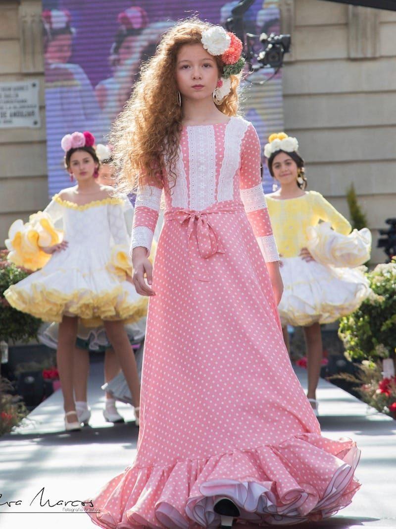 Vestido de flamenca de niña rosa