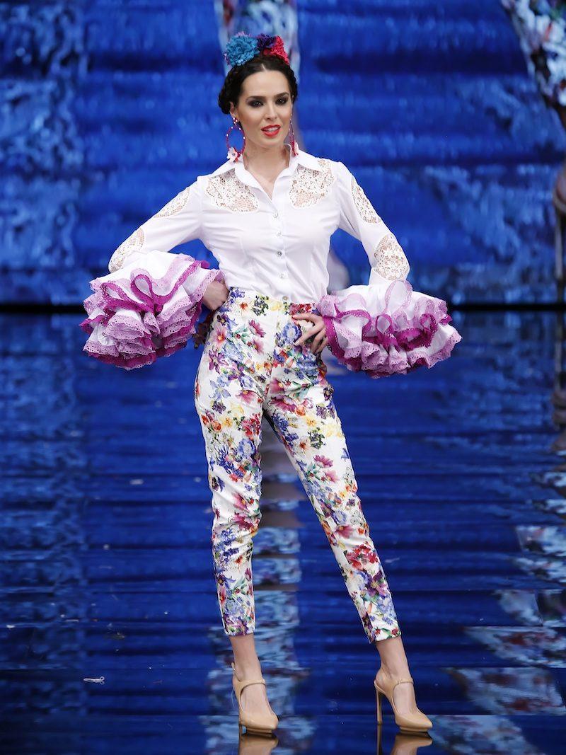 Blusa flamenca blanca con calados