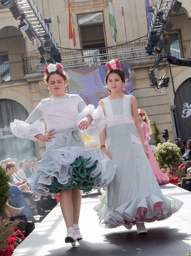 Blusa y falda de flamenca para niña