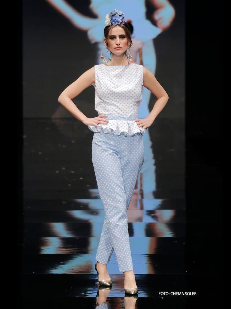 Conjunto blusa y pantalón azul de lunares