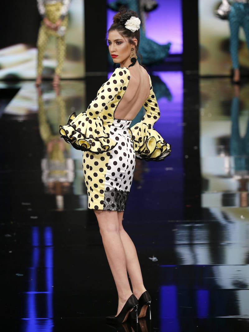 Vestido tipo coctail de inspiración flamenca