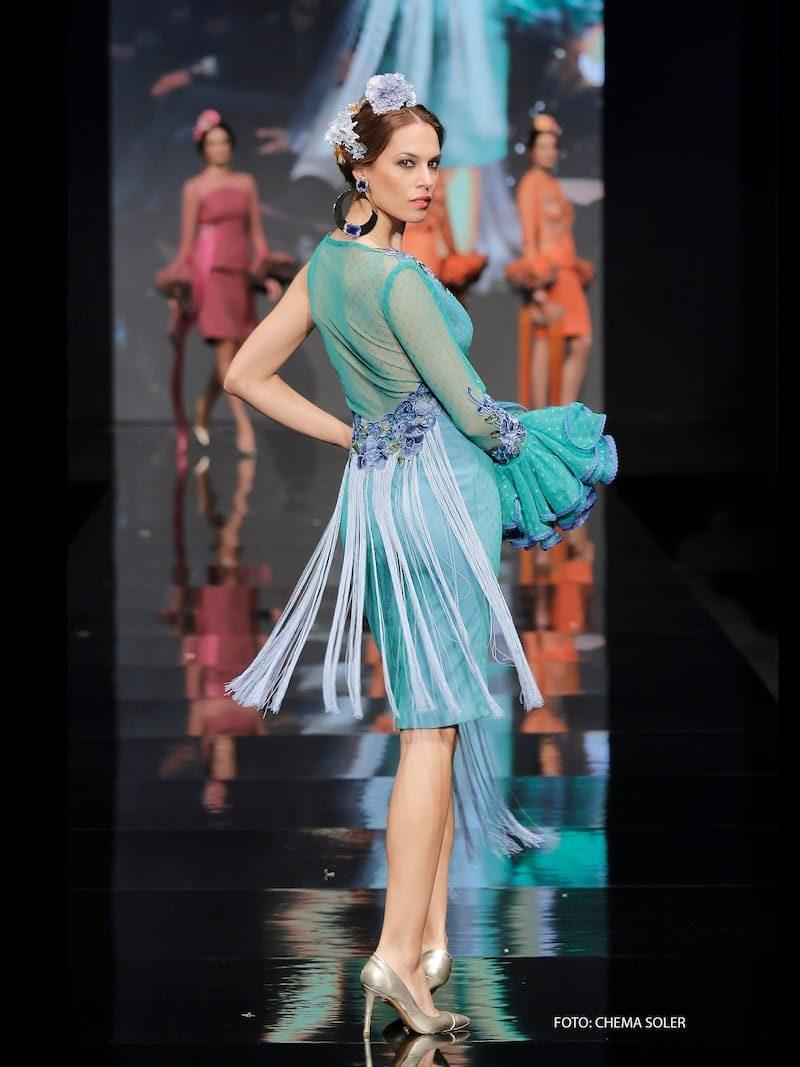 Vestido estilo flamenco en tul de plumeti verde