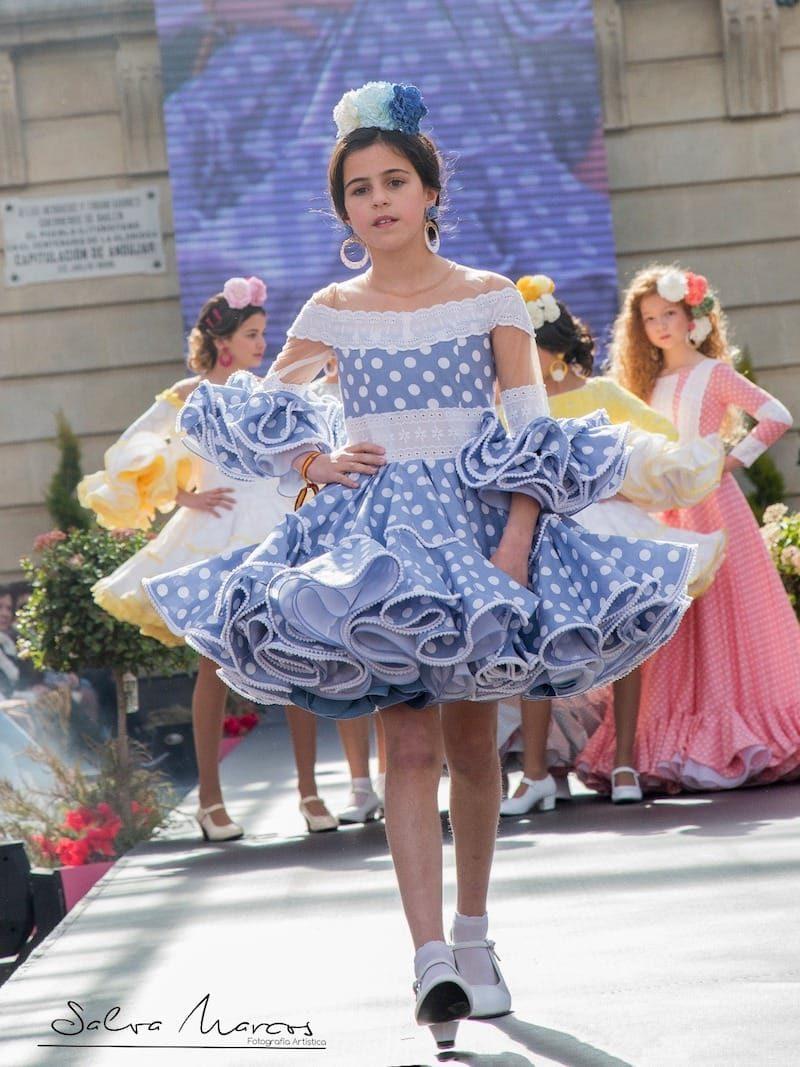 Traje de flamenca celeste para niña