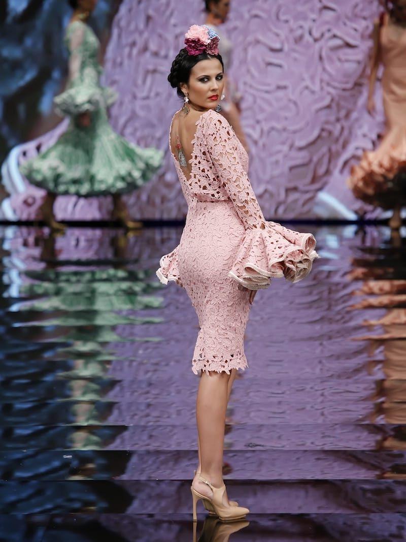 Vestido de coctail de guipur rosa