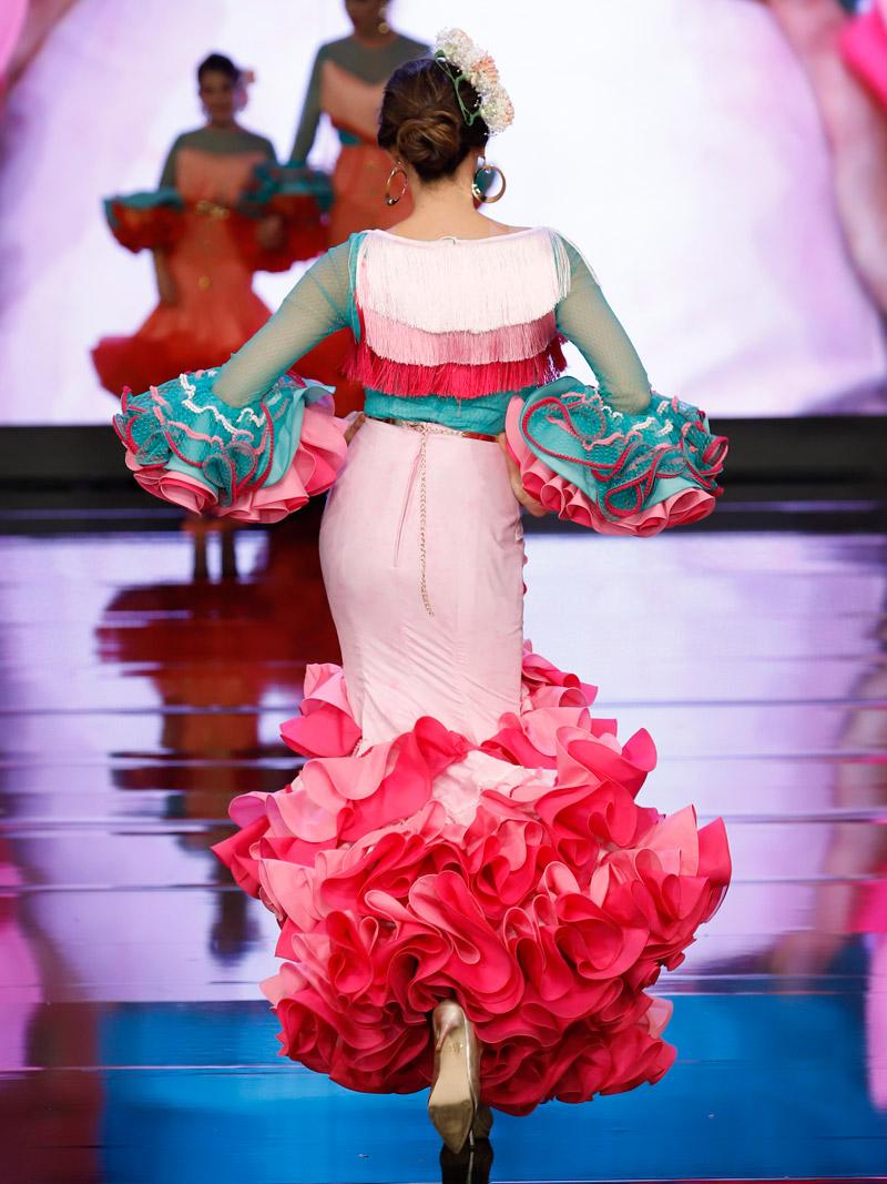 Falda flamenca rosa y blusa flecos degradado
