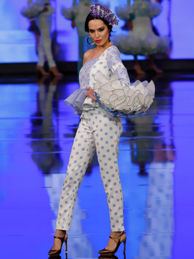 Conjunto de blusa y pantalón blondas azul