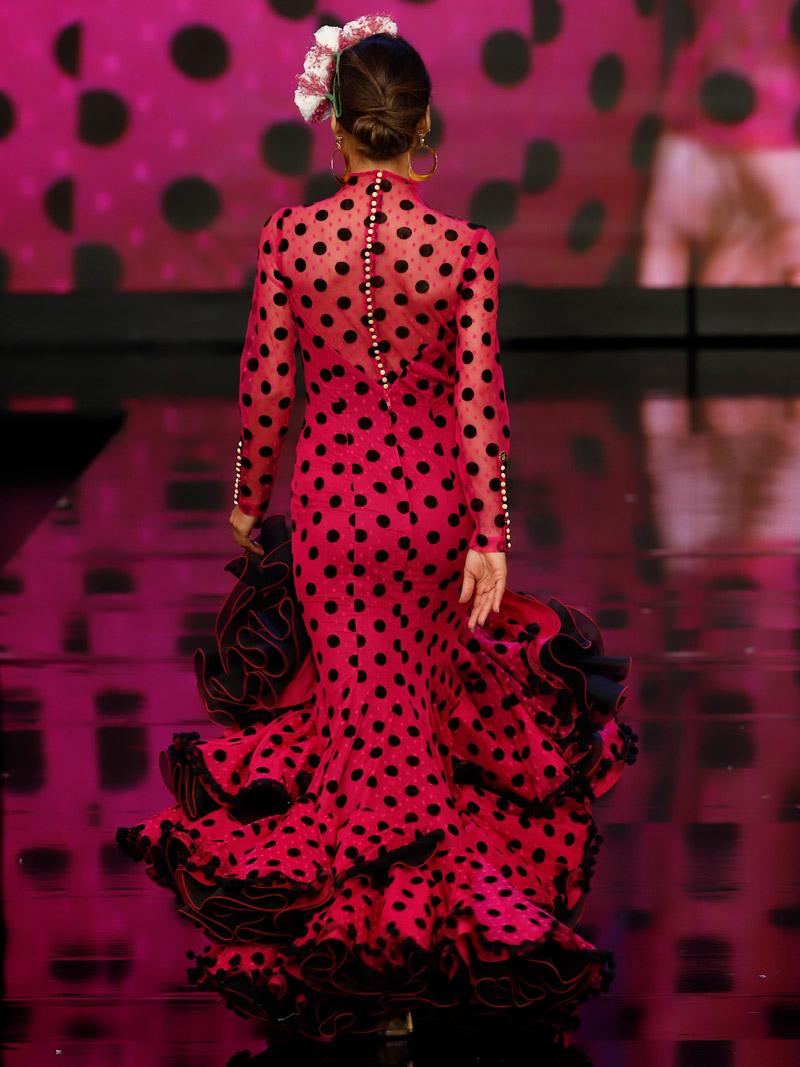 traje-de-flamenca-botonadura-espalda
