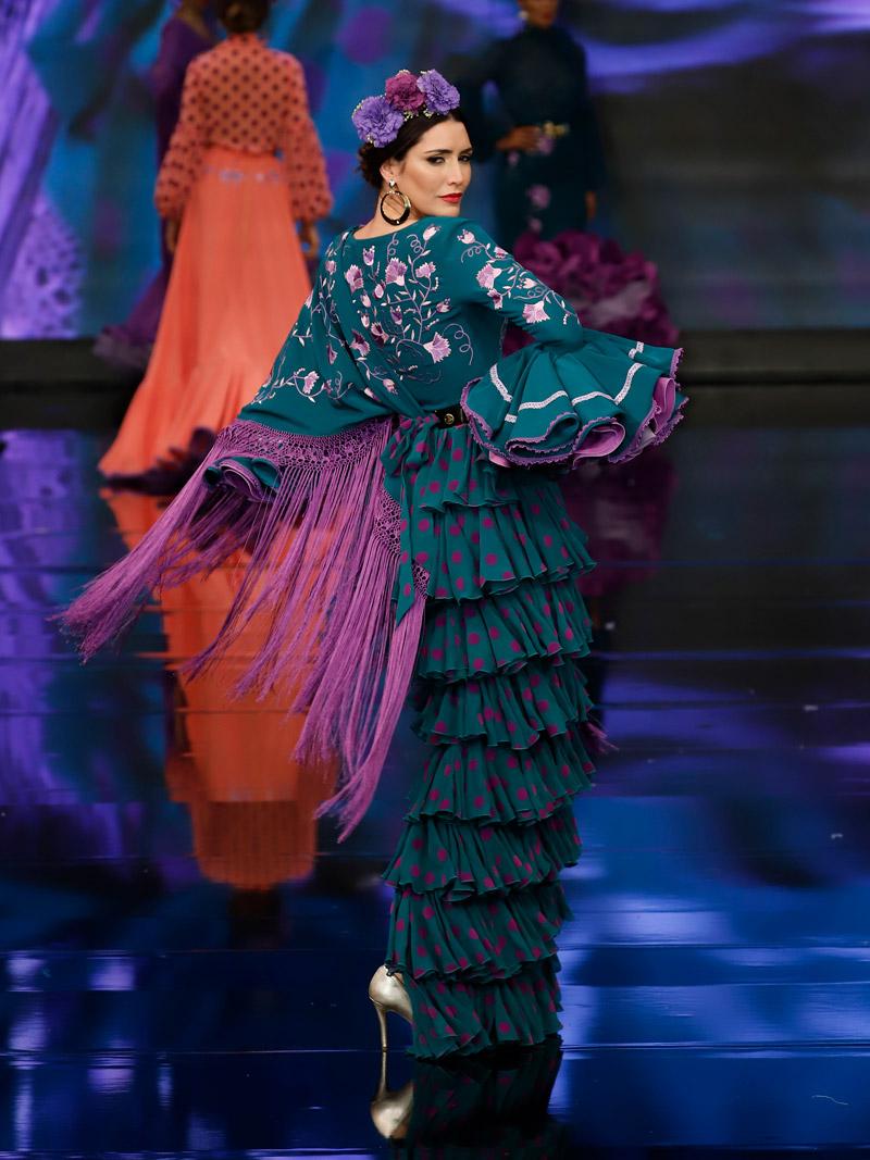 Traje de flamenca falda volantes verde