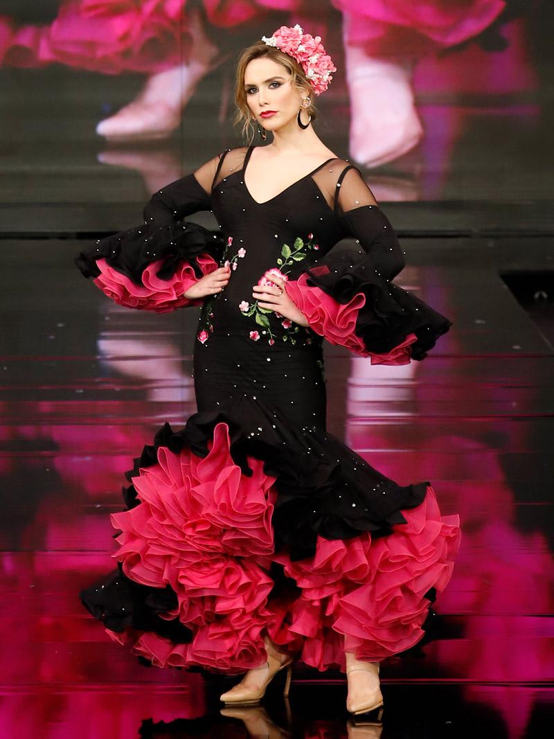 traje-de-flamenca-negro-con-perlas