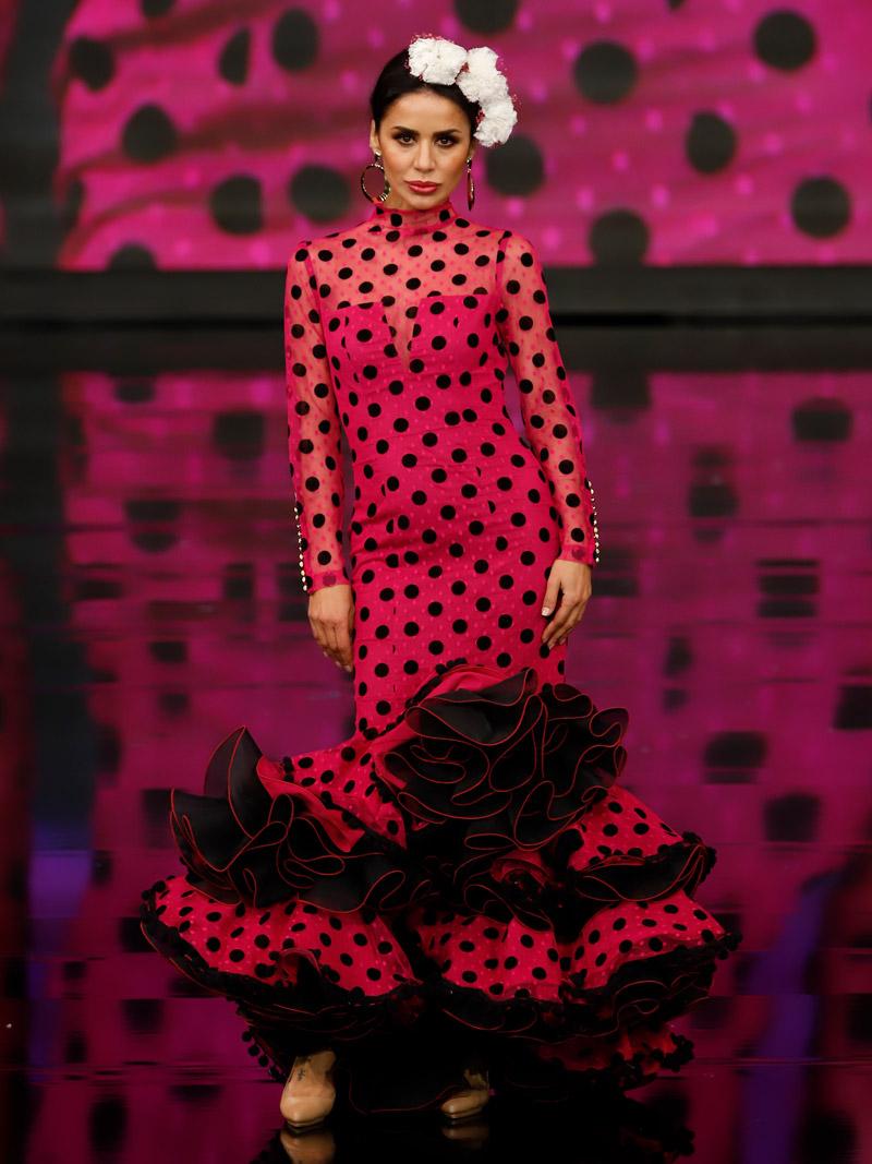 Traje de flamenca plumeti fucsia lunares