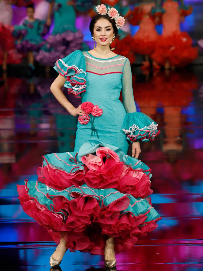 traje-de-flamenca-rombos-rosa-degradado