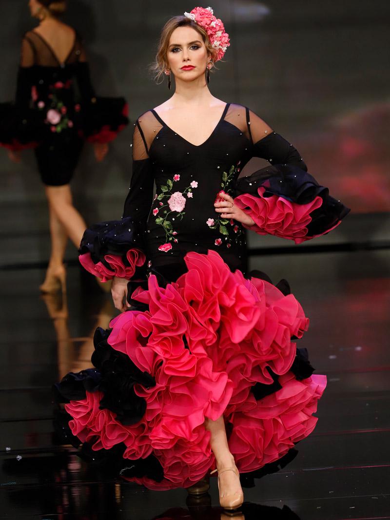 Traje de flamenca negro piedras