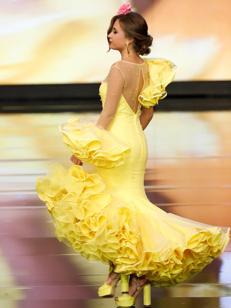 traje-de-gitana-amarillo