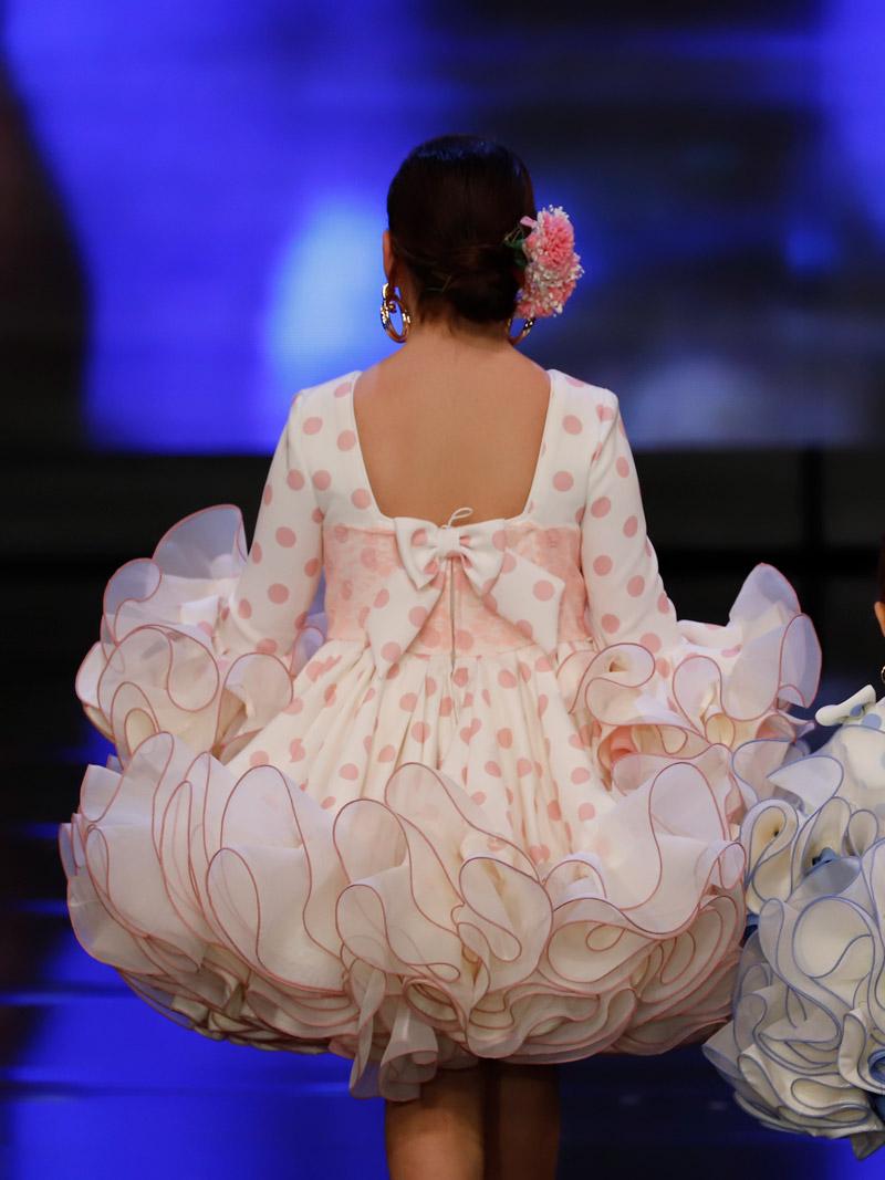 vestido-de-flamenca-para-niña-lunares-rosas