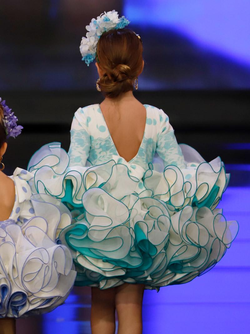 vestido-de-flamenca-para-niña-lunares-verde-agua