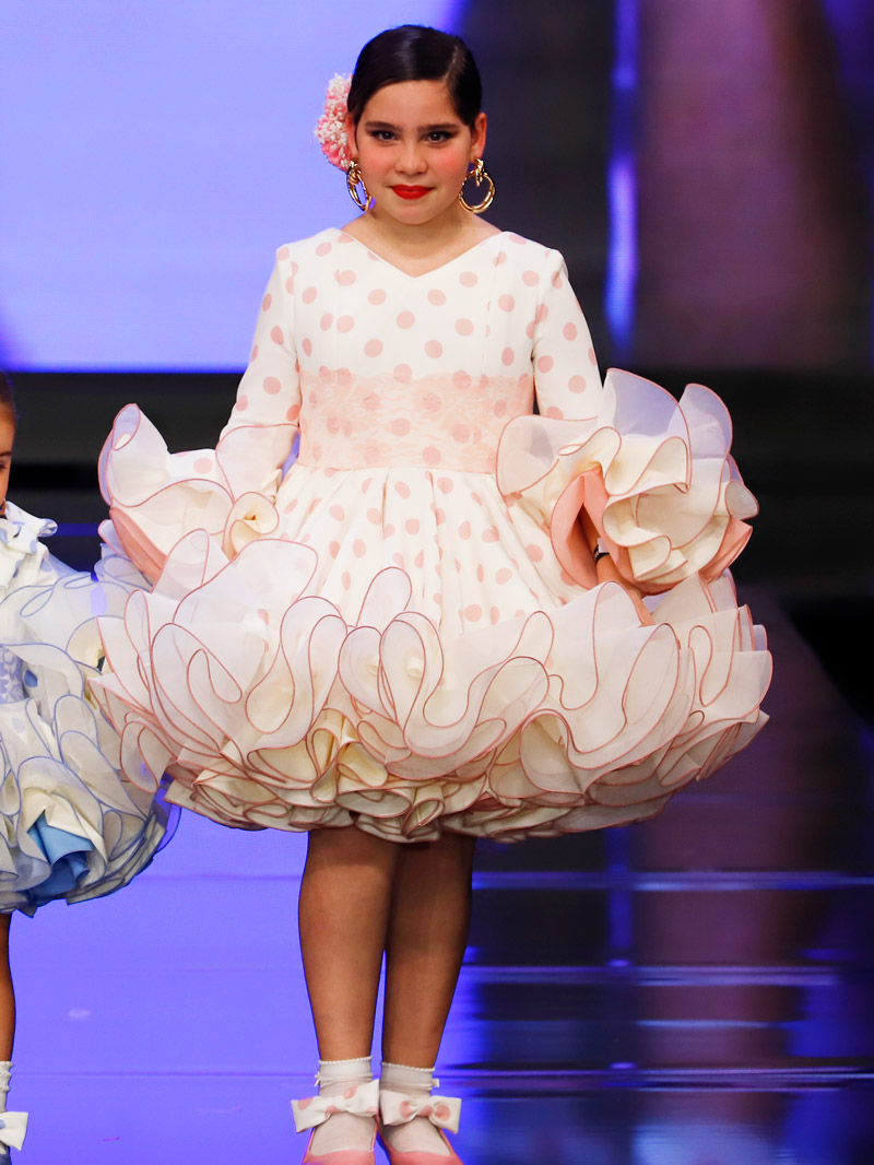 Traje de flamenca para niña lunares rosas