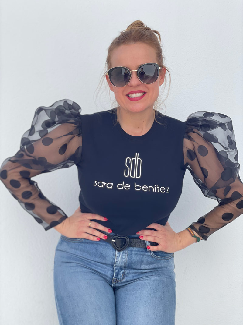 Camiseta Negra Sara de Benítez