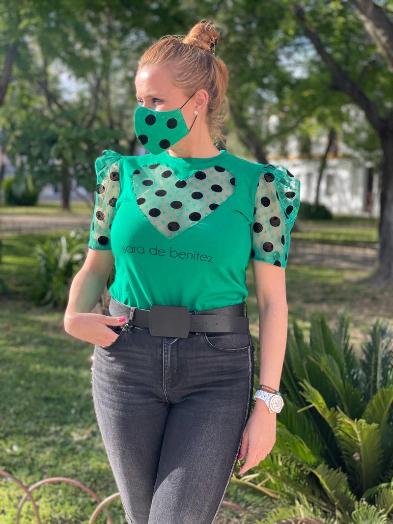 camiseta verde pecho y mangas caladas plumeti