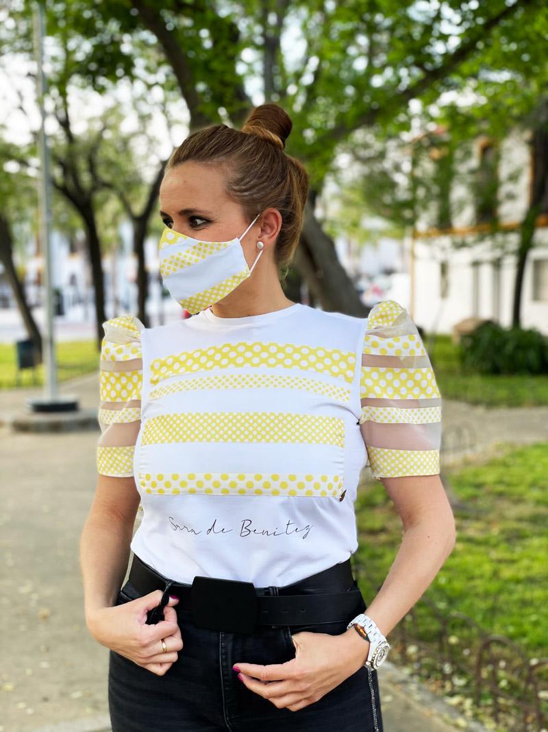 camiseta blanca rayas amarillas