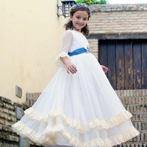diesño de vestidos de comunion en sevilla